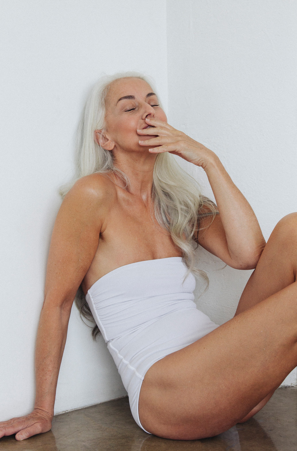 this 60 year old model is in the latest swimwear campaign