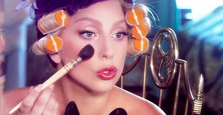 lady-gaga-putting-on-makeup-blush.jpg